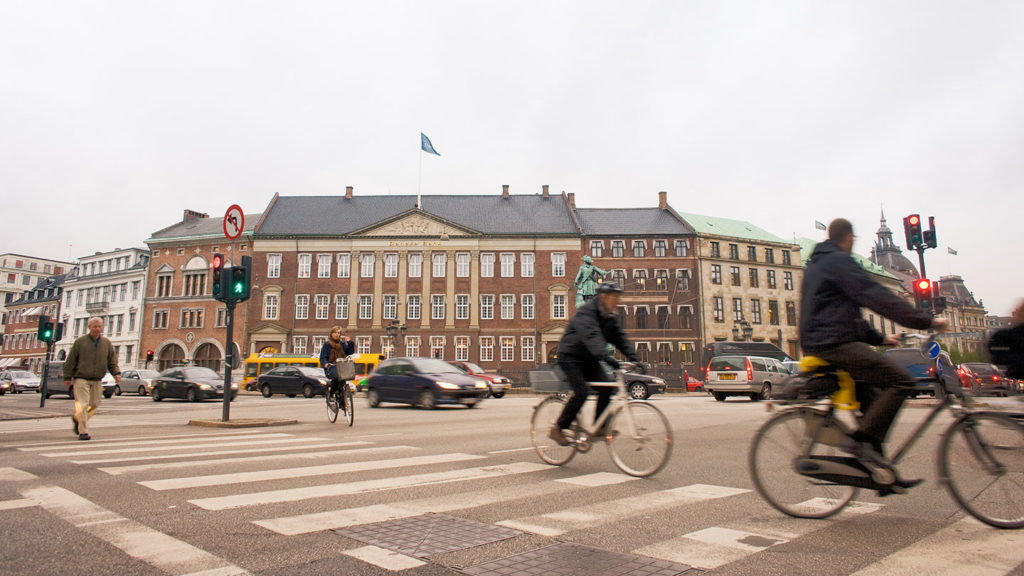 Danske-Bank-in-society Photo Danske Bank